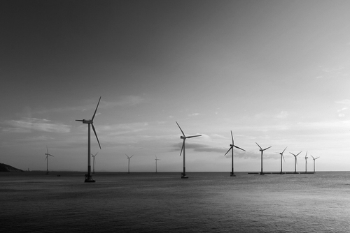 Sustainable service logistics for offshore wind farms